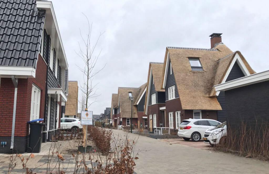 Rieten daken nieuwbouwwoningen Blaricummermeen
