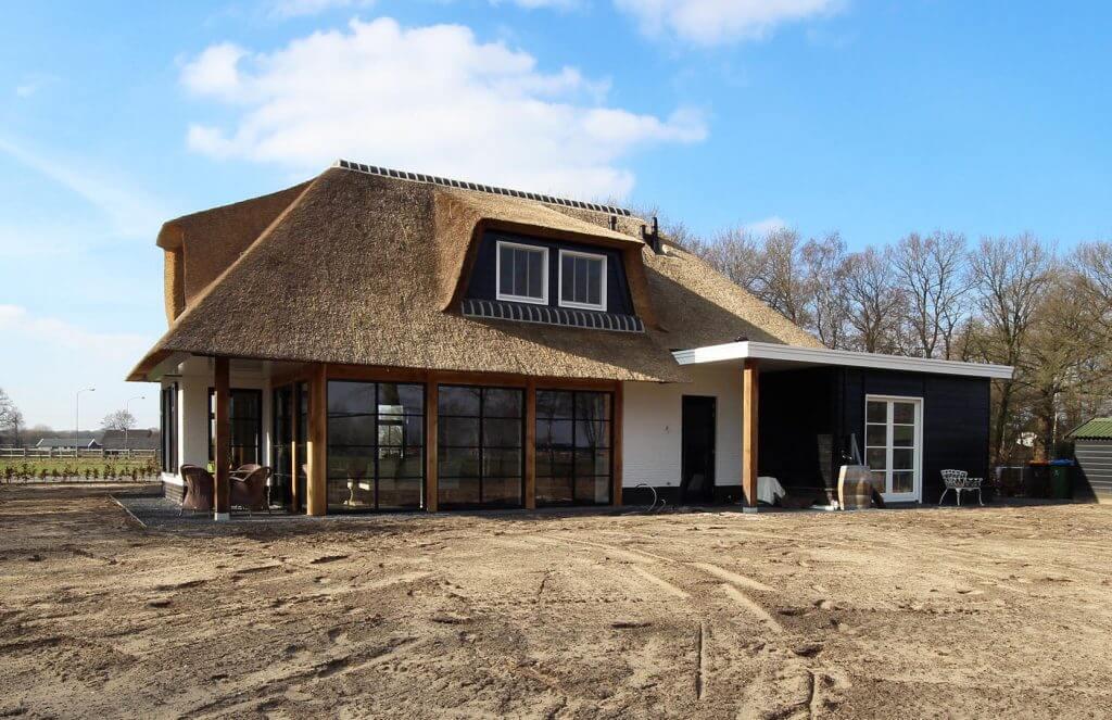 Rieten dak villa Lunteren
